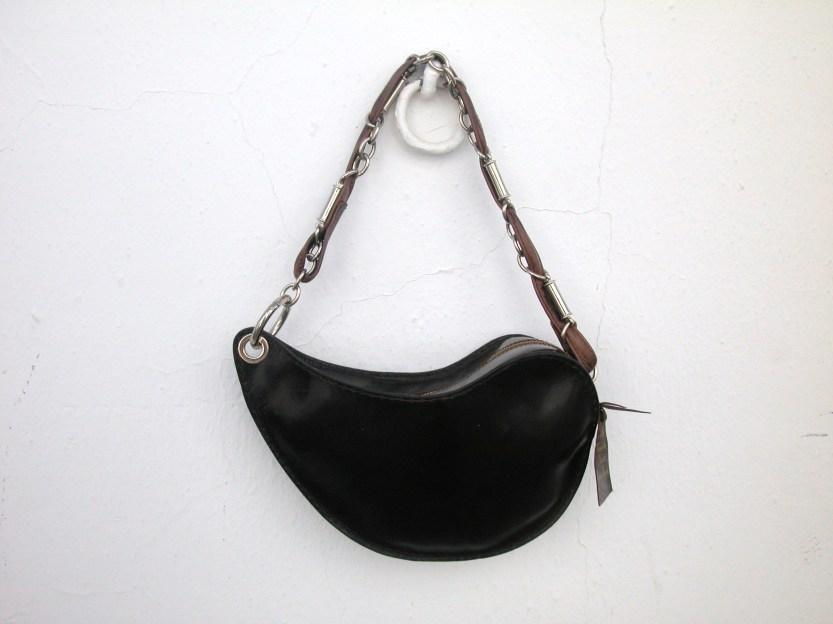 Dark brown sculptured handbag 30 x 16.142€