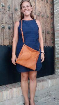 Mercé´s stylish dual-use shoulder bag 25 x 27cm. 87€