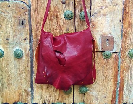 123€. 33x34cm. burgundy-shoulder-bag-organic-design