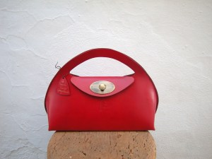 Another 'scultptured' handbag, this time in red. Another unique 'one-off' by FG bags, handmade and hand-stitched.