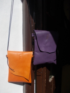 Little colourful lamb´s leather shoulder bags. Only 19€!
