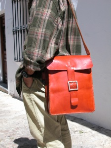 An older version of the chunky shoulderbag in 'Classic' bags.