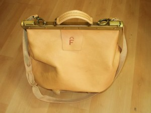 Another beautiful and unique light tan leather travel bag... perfect for 'hand-luggage only'!