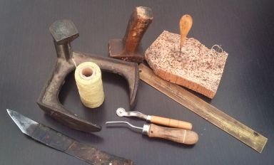 the leather working tools that FG leather bags uses