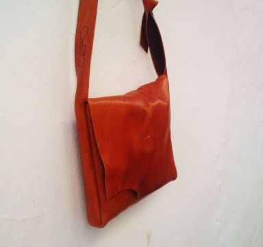 Unique made to order leather bags by FG handmade bags