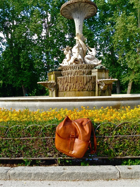 backpack in Madrid. bespoke made to measure leather work