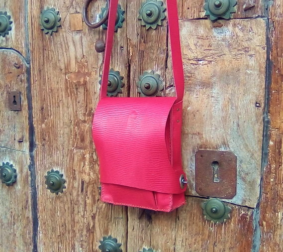 75€. Karin´s-shoulder-bag-naturally-pink-dyed-leather
