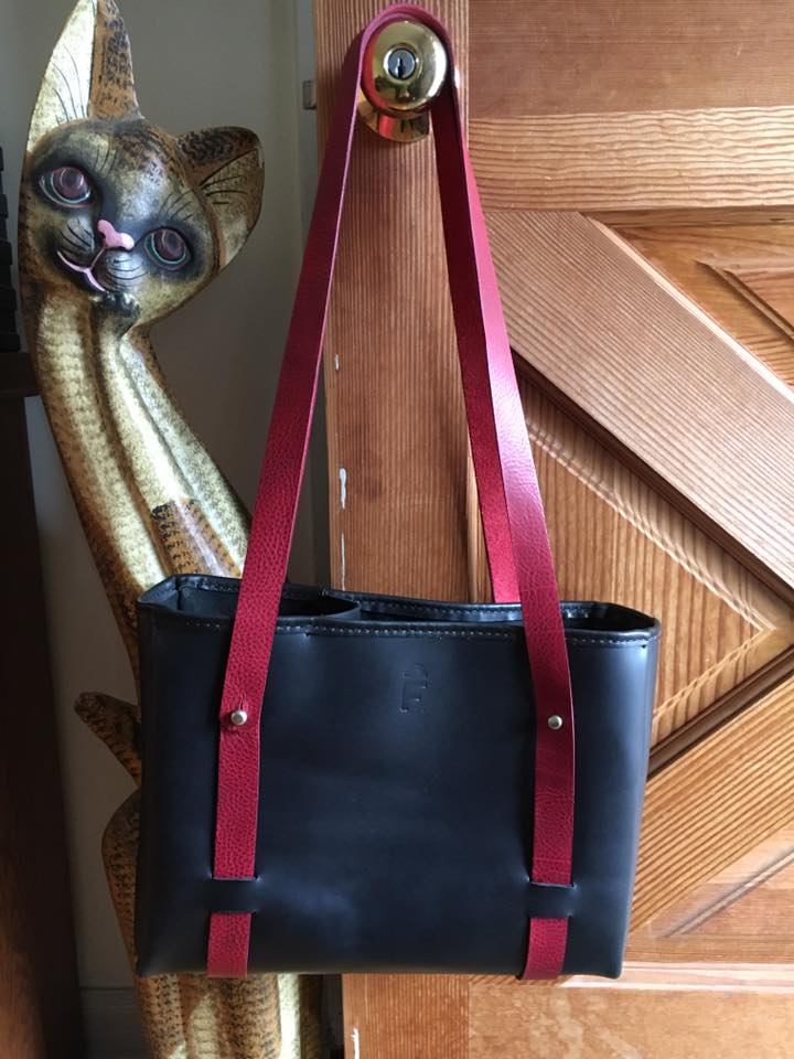 custom-made-bag-with-divider-and-colour-changeable-straps-1