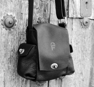 unique leather shoulder bag with pockets