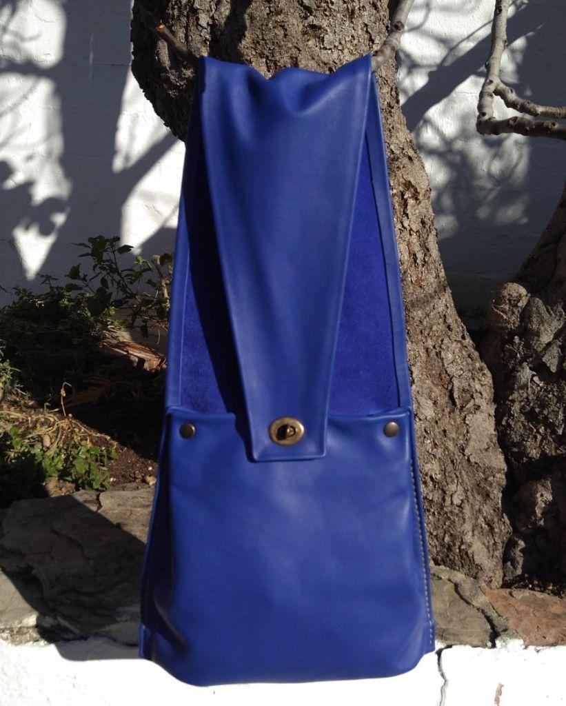 46€. 25 x 20. Blue sling FG bag