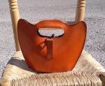 70€. 27 x 20. stylish sculptured handbag.